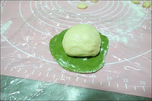 抹茶烏龜波蘿麵包 (13)
