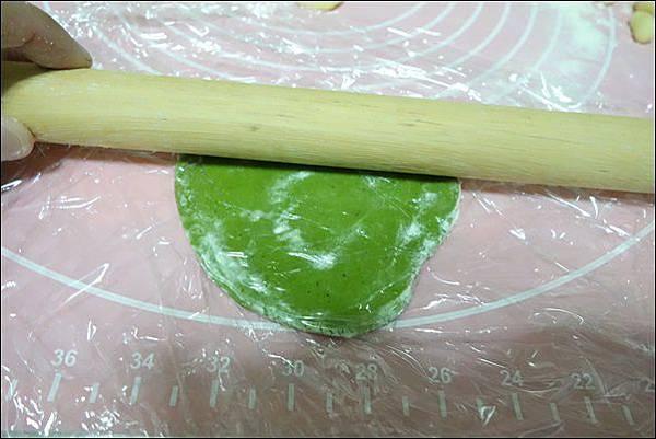 抹茶烏龜波蘿麵包 (12)