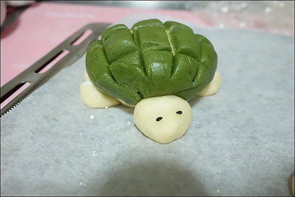 抹茶烏龜波蘿麵包 (18)