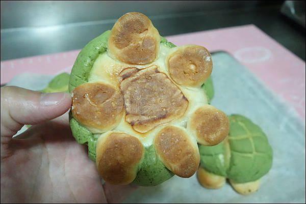 抹茶烏龜波蘿麵包 (23)
