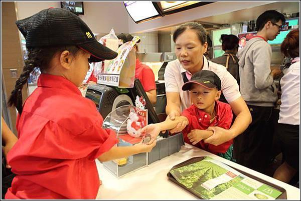 麥當勞小小服務員體驗 (28)
