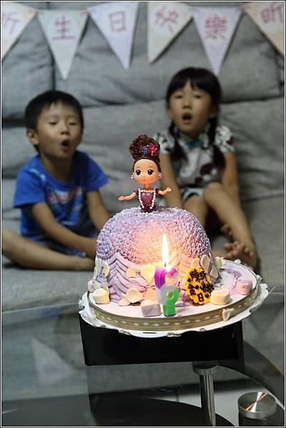 昕六歲生日 (8)