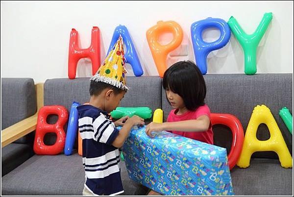 奕五歲生日 (11)