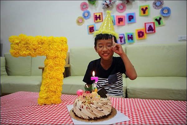 奕7歲生日 (4).jpg