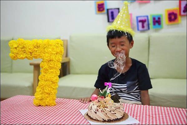 奕7歲生日 (9).jpg