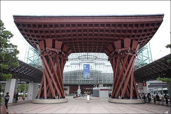 金澤駅 (1).jpg
