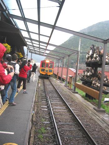 小火車來了!!