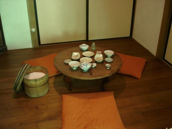仿台灣式的用餐情形