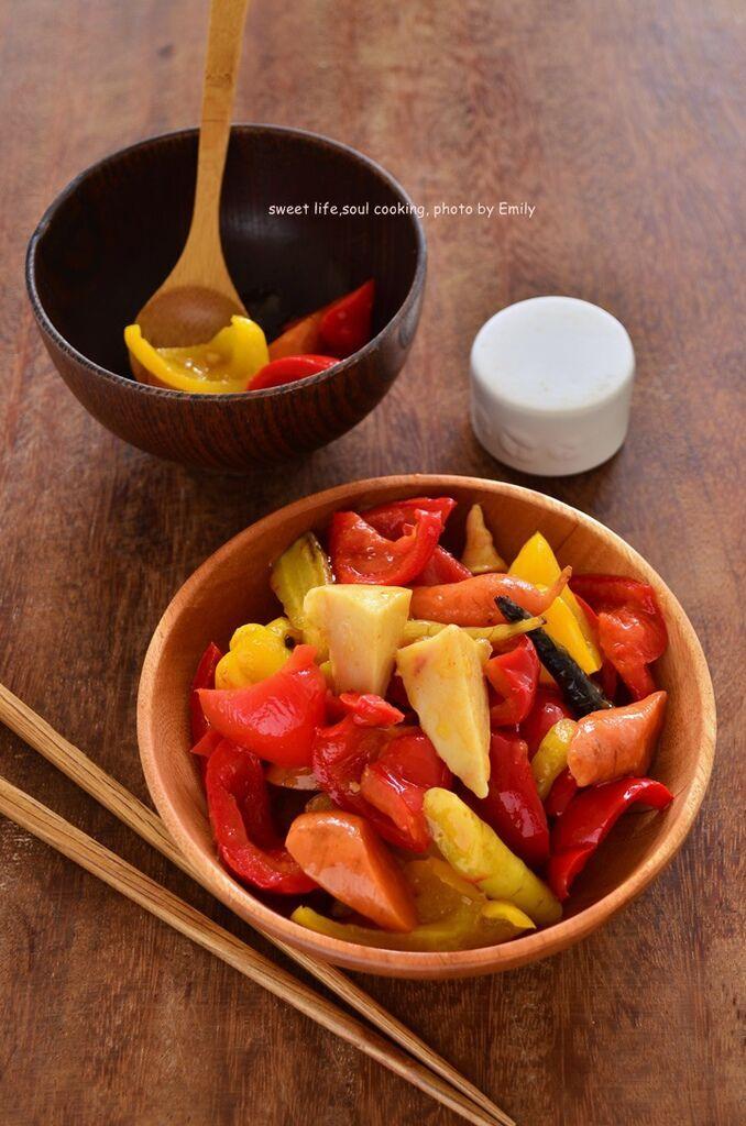 泡菜汁燴胡蘿蔔甜椒與筍子 (2)-01.JPG