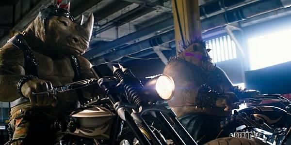 Bebop-and-Rocksteady-Teenage-Mutant-Ninja-Turtles-2-Out-of-the-Shadows-TMNT-Movie-2016.jpg
