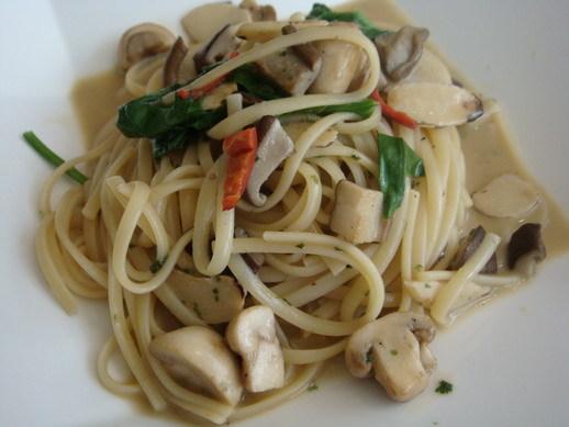 蘑菇波菜麵
