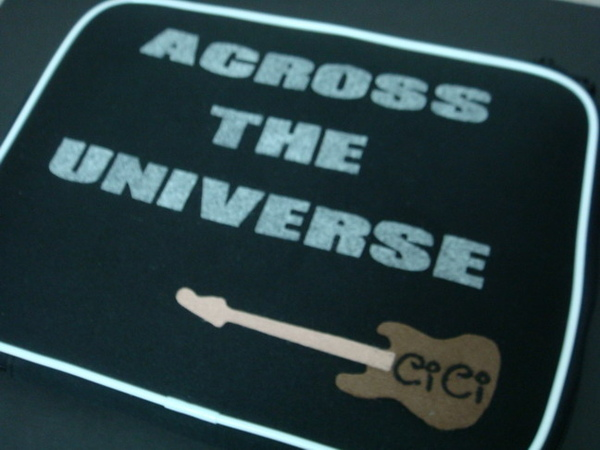 背面的ACROSS THE UNIVERSE 6