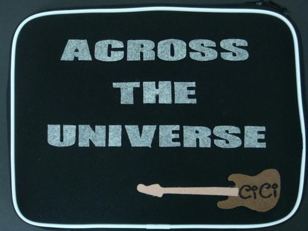 背面的ACROSS THE UNIVERSE 7