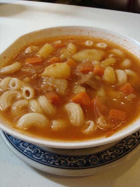現在的鮮茄牛腩湯餐肉粒通粉
