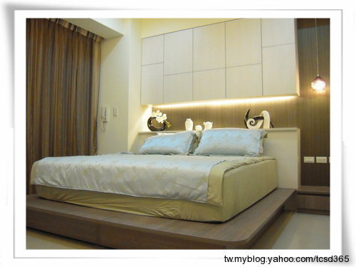 台中室內設計系統櫃設計系統家具床頭收納櫃設計.jpg