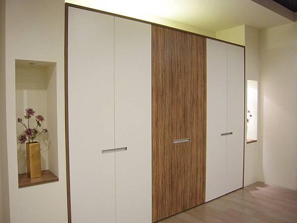 台中系統櫃工廠 臥室衣櫃.JPG