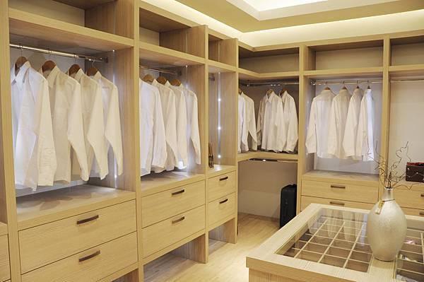 台中系統櫃工廠 衣櫥系統家具.JPG