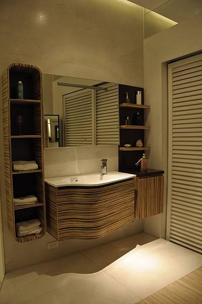 台中系統櫃工廠 衛浴系統櫃.JPG