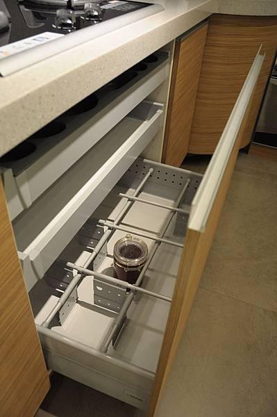 台中系統櫃工廠 廚房 櫥櫃.JPG