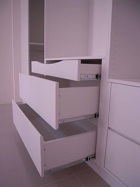 台中系統櫃  居家設計-系統家具訂製-衣櫃設計 臥室系統櫃 拉門五金 (2)