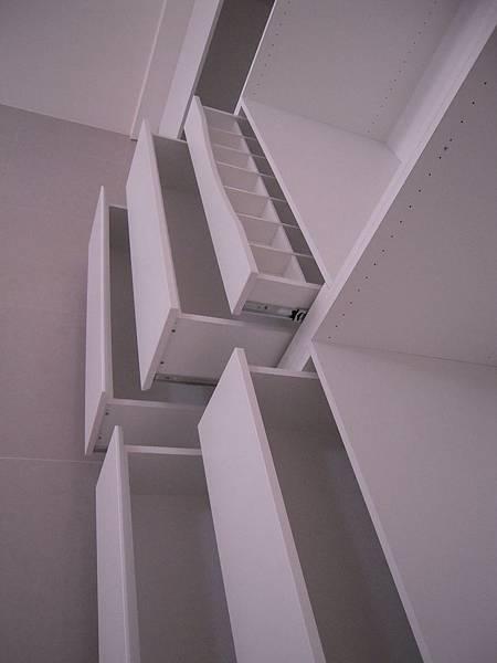 台中系統櫃  居家設計-系統家具訂製-衣櫃設計 臥室系統櫃 拉門五金 (3)