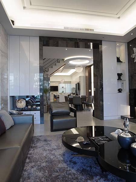 台中室內設計 居家裝潢風水 系統櫃 客廳裝潢