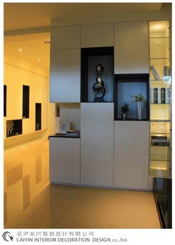 鋁框門設計 居家裝潢 室內設計 系統櫥櫃  大理石電視牆設計 (3).jpg