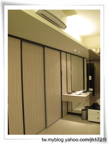 台中室內設計 衣櫃設計 更衣室設設計 鋁框推拉門設計 衣櫃設計 臥室設計  (9).jpg