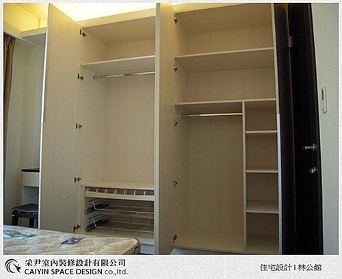 台中室內設計 衣櫃設計 更衣室設設計 鋁框推拉門設計 衣櫃設計 臥室設計  (13).jpg