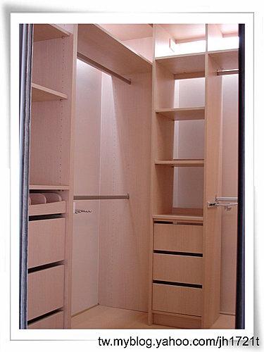 台中室內設計 衣櫃設計 更衣室設設計 鋁框推拉門設計 衣櫃設計 臥室設計  (19).jpg