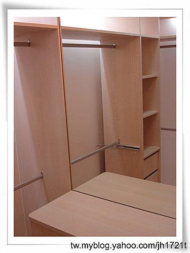 台中室內設計 衣櫃設計 更衣室設設計 鋁框推拉門設計 衣櫃設計 臥室設計  (22).jpg
