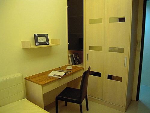 台中室內設計 衣櫃設計 更衣室設設計 鋁框推拉門設計 衣櫃設計 臥室設計 (26).jpg