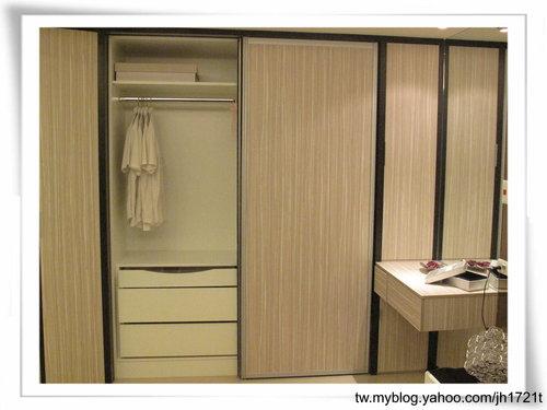 台中室內設計 衣櫃設計 更衣室設設計 鋁框推拉門設計 衣櫃設計 臥室設計  (30).jpg
