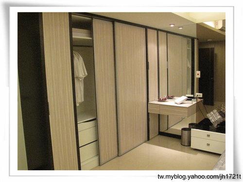 台中室內設計 衣櫃設計 更衣室設設計 鋁框推拉門設計 衣櫃設計 臥室設計  (29).jpg