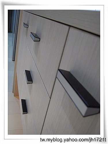 收納櫃設計 客廳設計 臥室收納 矮櫃設計 抽屜設計 (1).jpg