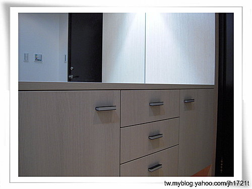 收納櫃設計 客廳設計 臥室收納 矮櫃設計 抽屜設計 (16).jpg