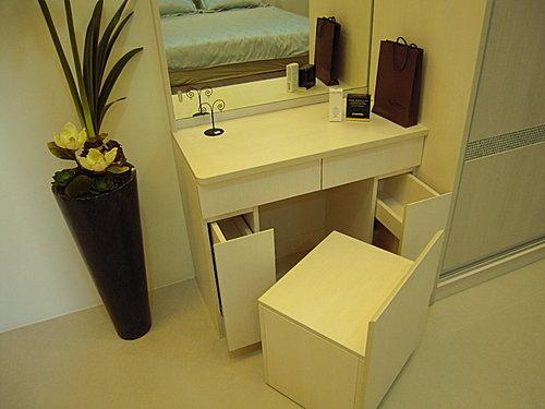 台中櫥櫃設計 化妝台設計 櫥櫃定製家具.jpg