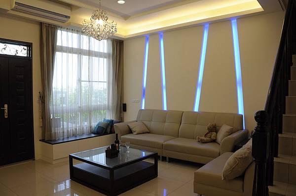 台中室內設計|居家裝潢|系統櫃|客廳裝潢|餐廳設計|天花板裝潢