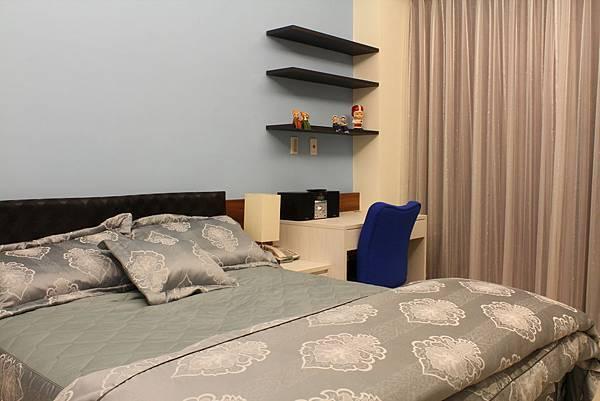 臥室設計 系統櫃 衣櫃設計 住宅設計 (4).JPG