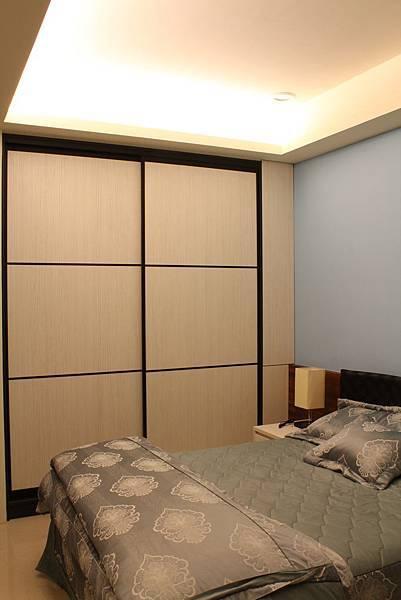 臥室設計 系統櫃 衣櫃設計 住宅設計 (6).JPG