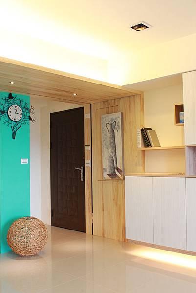 台中室內設計 居家裝潢 室內設計 玄關設計 系統櫃 客廳設計 (4).JPG