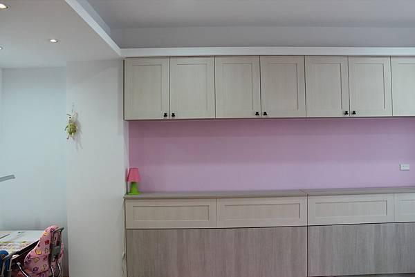 油漆跳色 廚櫃設計 系統櫃 台中裝潢 (2).JPG