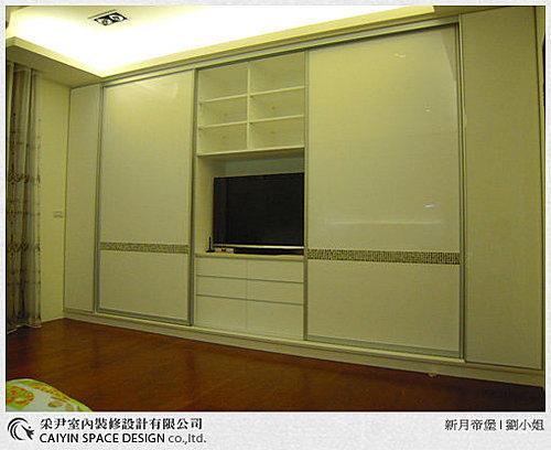 衣櫃設計 系統櫃設計 居家裝潢 訂製家具  推拉門設計 鋁框門設計 (4).jpg