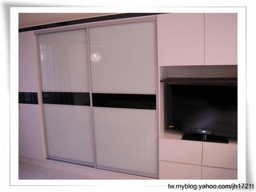 衣櫃設計 系統櫃設計 居家裝潢 訂製家具  推拉門設計 鋁框門設計 (12).jpg