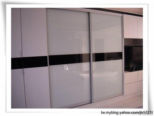 衣櫃設計 系統櫃設計 居家裝潢 訂製家具  推拉門設計 鋁框門設計 (15).jpg