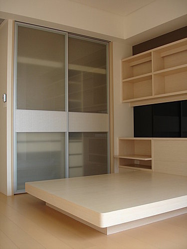 衣櫃設計 系統櫃設計 居家裝潢 訂製家具  推拉門設計 鋁框門設計 (2).jpg