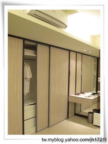 衣櫃設計 系統櫃設計 居家裝潢 訂製家具  推拉門設計 鋁框門設計 (5).jpg