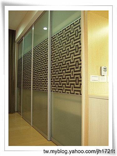 衣櫃設計 系統櫃設計 居家裝潢 訂製家具  推拉門設計 鋁框門設計 (16).jpg