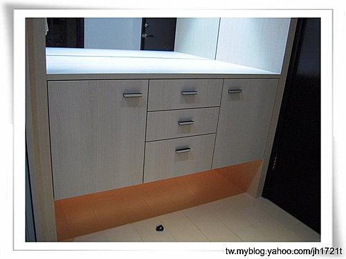 台中系統櫃 室內設計 櫥櫃訂製  櫥櫃估價 裝潢設計 客廳裝潢 置物櫃設計 (4).jpg