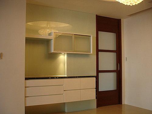 台中系統櫃 室內設計 櫥櫃訂製  櫥櫃估價 裝潢設計 客廳裝潢 餐櫥櫃.jpg